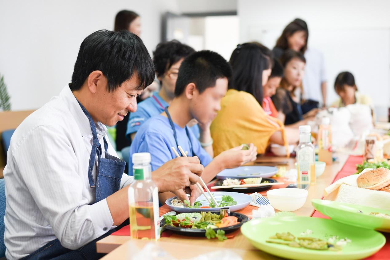 公司活动:环保沙拉制作亲子日