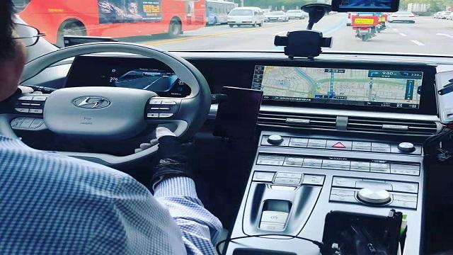 正在首尔运行的氢燃料出租汽车(图/第一财经权小星)