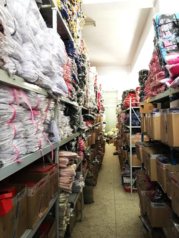 灌云縣一家情趣內衣工廠的倉庫。   攝影/馬紀朝