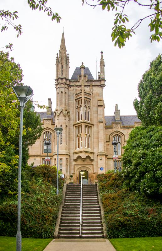 北爱尔兰的阿尔斯特大学拥有全英国和爱尔兰规模最大的计算机系。  摄影记者/吴军