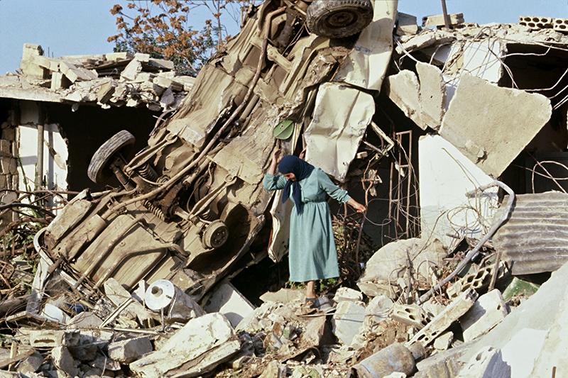 在1948年战争中逃离家园的巴勒斯坦难民至今仍居住在难民营内。
