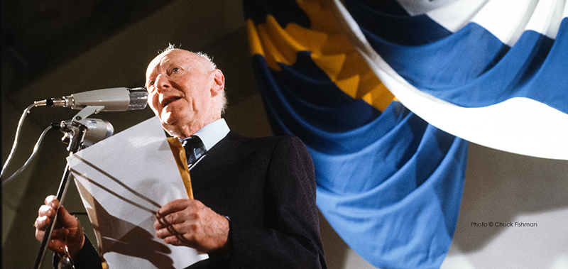 1978年诺贝尔文学奖得主,来自波兰、有意地绪语的美国犹太幼说家艾萨克·巴什维斯·辛