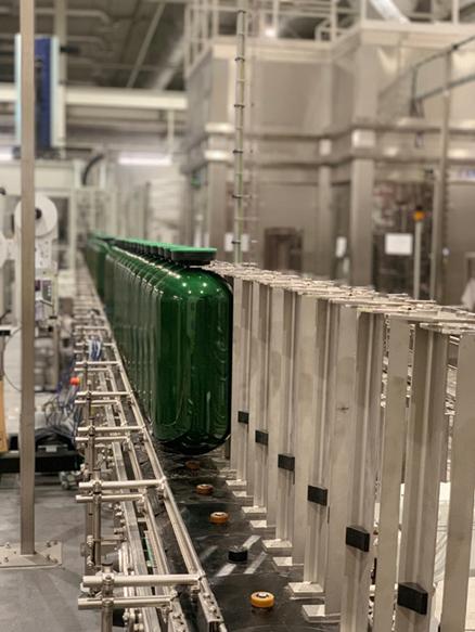 嘉士伯中国精酿中心桶啤大师生产线