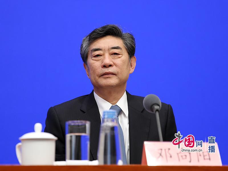 中共安徽省委常委、常务副省长邓向阳