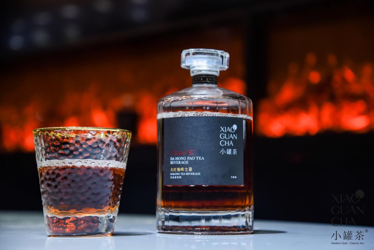 """全球首款0酒精""""威士忌""""惊艳亮相——大红袍·味士忌瓶装茶饮"""