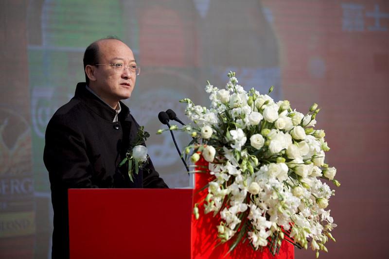 天长市委市政府领导代表市委市政府发表热情洋溢的讲话