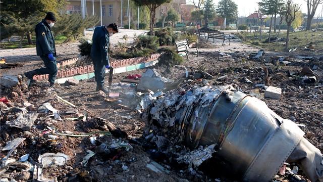 """伊朗军方称,由于""""人为错误""""并以""""非故意""""的方式,飞机被击落。"""