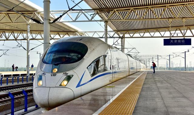 到2020年,京津冀及周边地区铁路货运量将较2017年增长40%。摄影/章轲