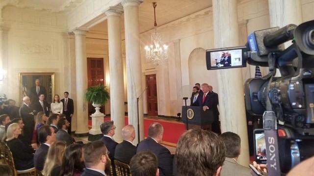 1月8日特朗普在白宫发表讲话(第一财经记者孙卓/摄)