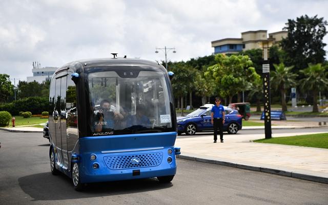 海南博鳌笑城国际医疗旅游先走区走家驶的智能网联汽车。新华社原料图