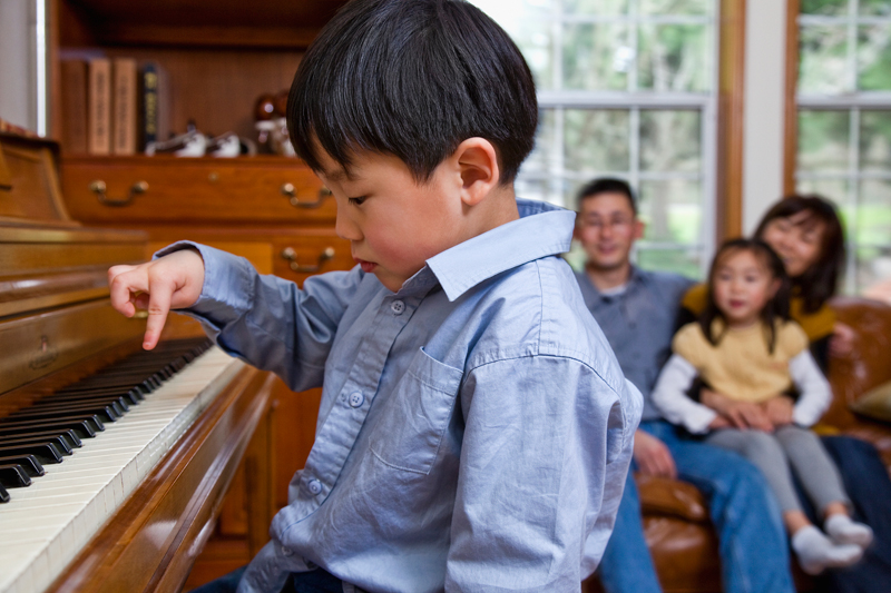 中国千万琴童中只有4%接受线上陪练,线上音乐教育仍拥有很大的市场空间。  视觉中国图