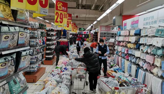 零售业自救:重构人货场,在线业务与前置仓大考