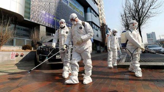 """韩国""""对战""""新冠疫情:24小时戒备,30万亿韩元急救"""