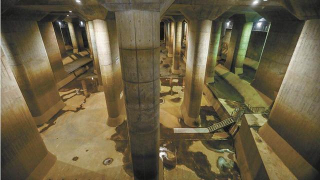 东京地下排水系统大型调压水槽