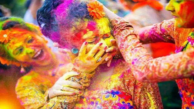 洒红节黯然失色、制药业告急,印度新冠疫情接受高温考验