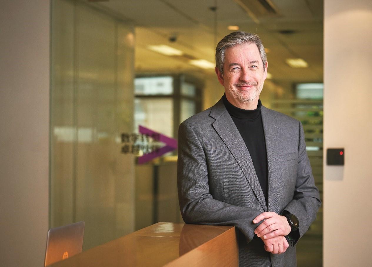 Teo Correia是埃森哲全球消费品业务资深董事总经理,《流动消费者》一书的作者。