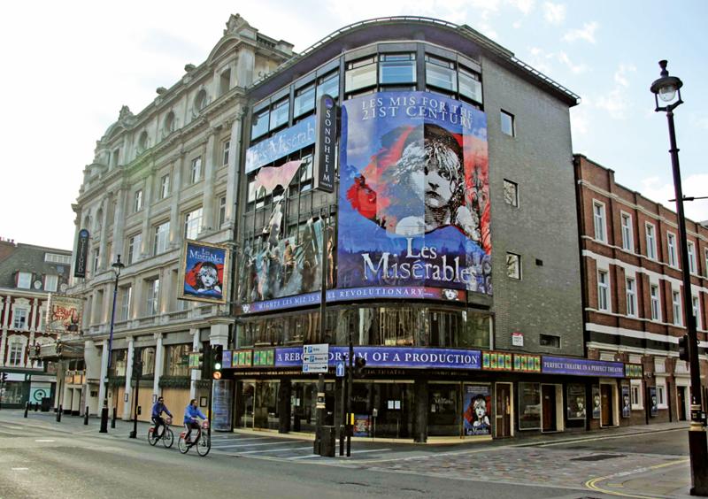 当地时间4月6日,伦敦剧院协会证实,伦敦西区所有剧院将至少关闭至5月31日。  人民视觉图
