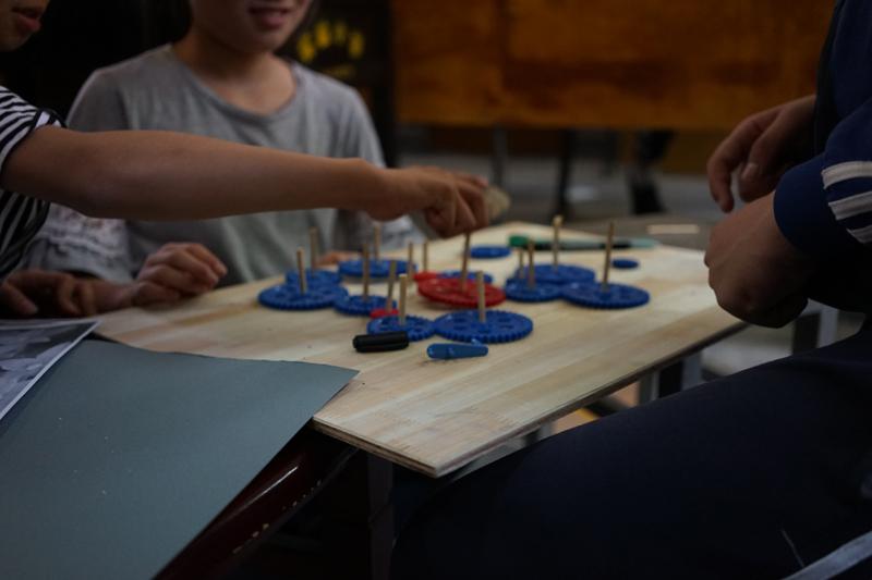 """小学是""""杂家"""",汾口镇小学尽可能让孩子们多接触、多体验,再慢慢地专注于自己感兴趣的部分。"""