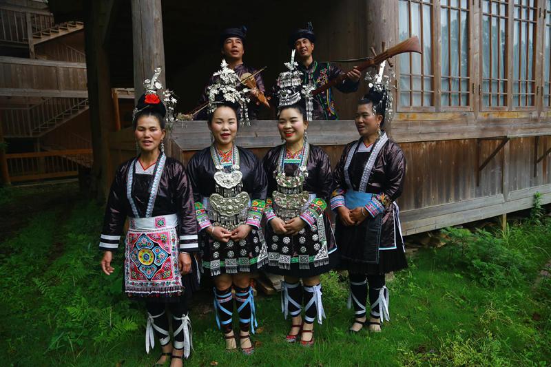 参添归山生活音笑节的原生态艺人岩洞侗族大歌队