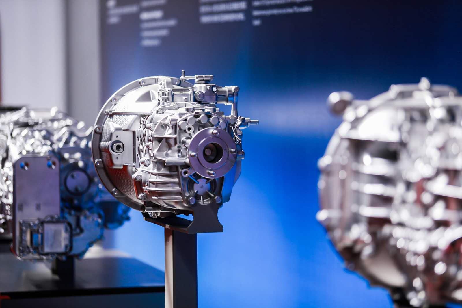 """2019年4月,跨国零部件企业采埃孚(ZF)在华发布了节省能耗的商用车变速箱""""TraXon""""品牌。"""
