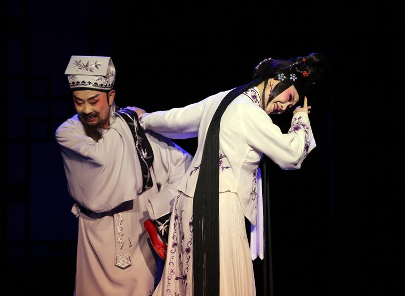 由王仁杰编剧的梨园戏名作《董生与李氏》获得首届曹禺戏剧文学奖。  视觉中国图