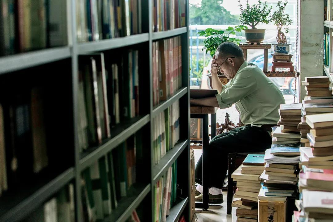 科大旁的小书店。