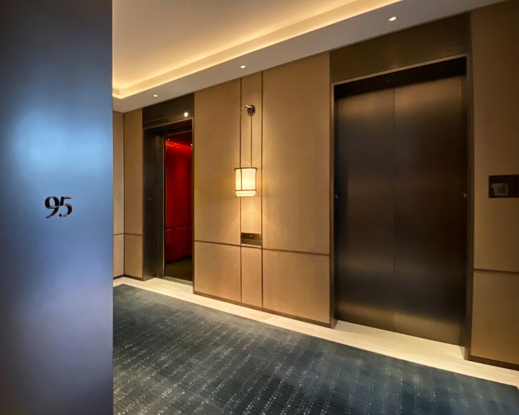 日立电梯为东塔挑供的1260米超高速电梯,从1层至95层仅需约42秒