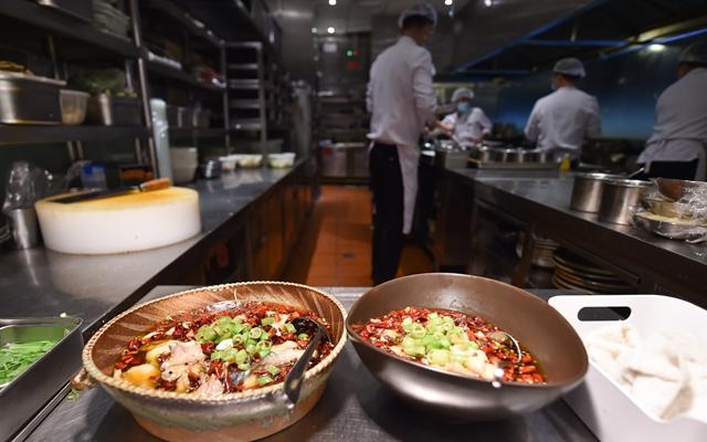 """""""瘦身""""菜单红了,60万餐厅上线小份菜外卖"""