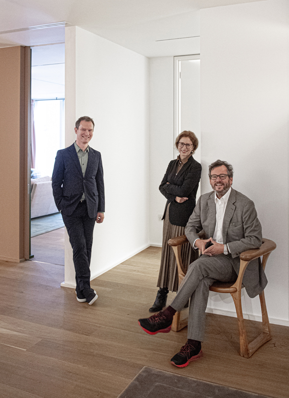 豪瑟沃斯画廊三位联合主理人马克·佩约特,以及伊万和曼努埃拉·沃斯夫妇