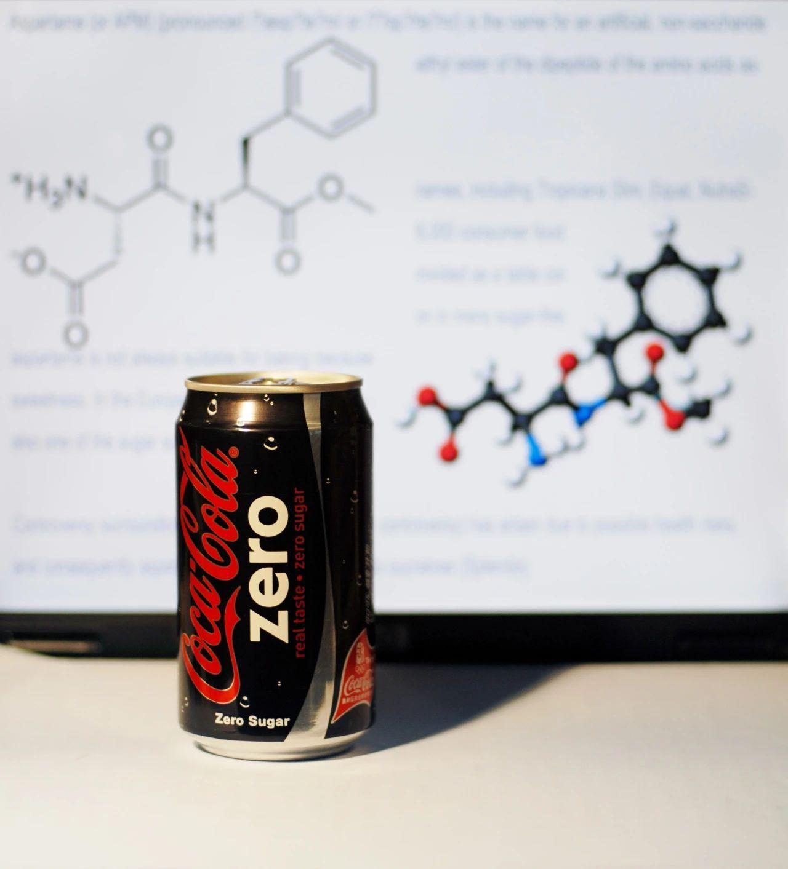 零度可口可樂與阿斯巴甜分子結構。| 圖片來源:視覺中國