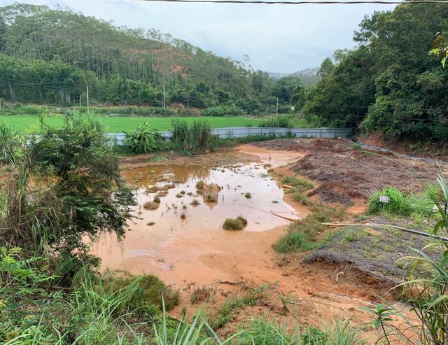 梧州稀土矿业有限公司藤县稀土矿环保应急池。