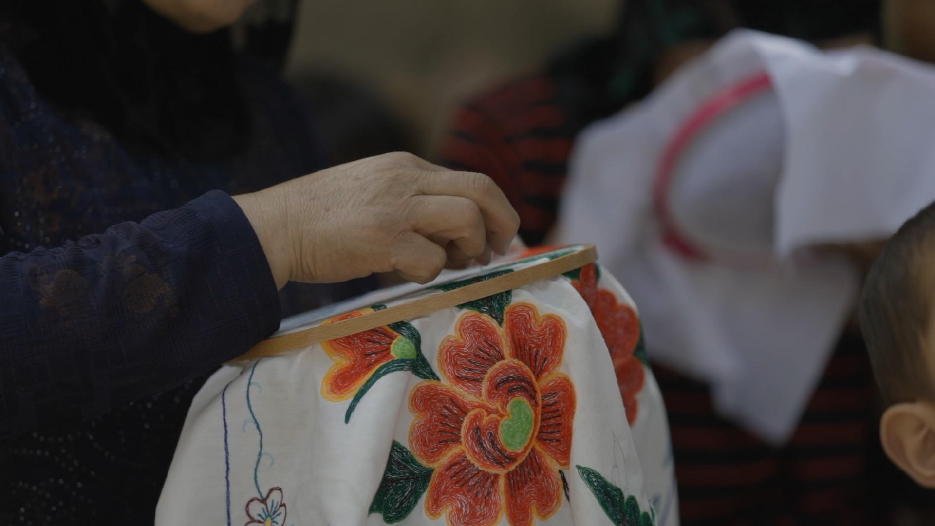 东乡族刺绣被列入第三批《临夏州非物质文化遗产名录》  摄影/张健 任玉明 吴军 周海涛