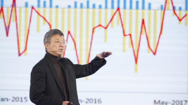 专访朱民:跨国企业不可能放弃中国,警惕美元宽松下的大泡沫