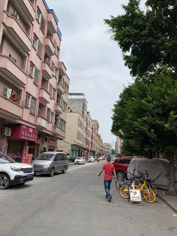 疫情发生以来,大量返乡员工没有回到东莞等制造业基地。 摄影/林春挺