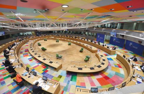 欧盟官员表示,如若拜登当选美国总统,美欧双方或在上述领域有所突破,而首要的或是建立新的数据隐私传输协议。