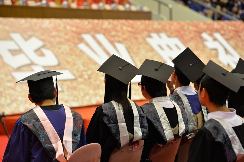2020年高校毕业生人数再创新高,达874万人