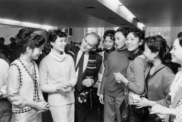1981年,皮尔· 卡丹在北京饭店举办首场对外时装表演