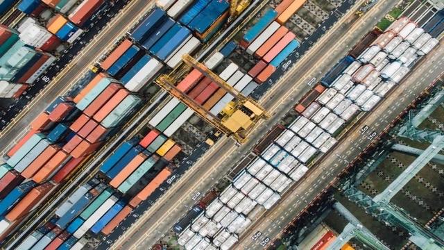 集装箱企业迎重磅红利扩大产能,专家:谨防投资泡沫