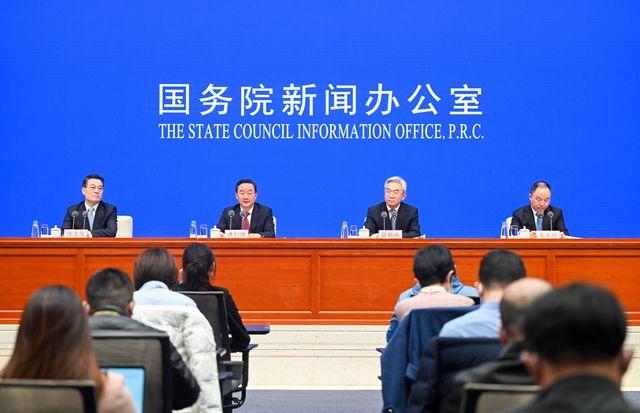 2月22日,国新办举行全面推进乡村振兴加快农业农村现代化发布会。新华社图