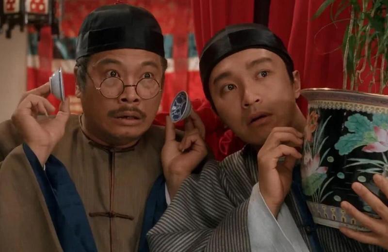 """吴孟达和周星驰打造的""""无厘头""""风格,塑造了许多观众对香港影片黄金时代的记忆"""