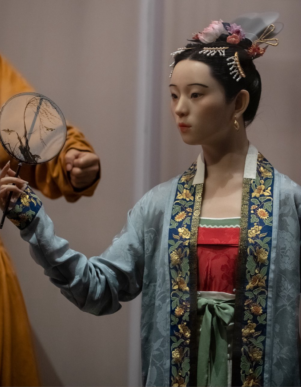 15尊不同时代的复原人像,每一尊都完整呈现出中国古代配饰的整体形象
