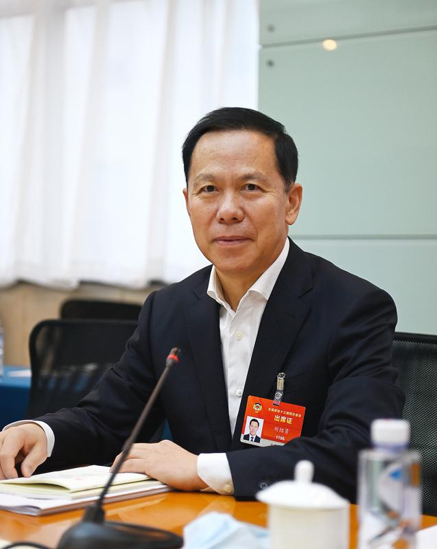 政协委员刘绍勇:尽早制定民航业2030碳达峰方案,如何支持国产飞机运营
