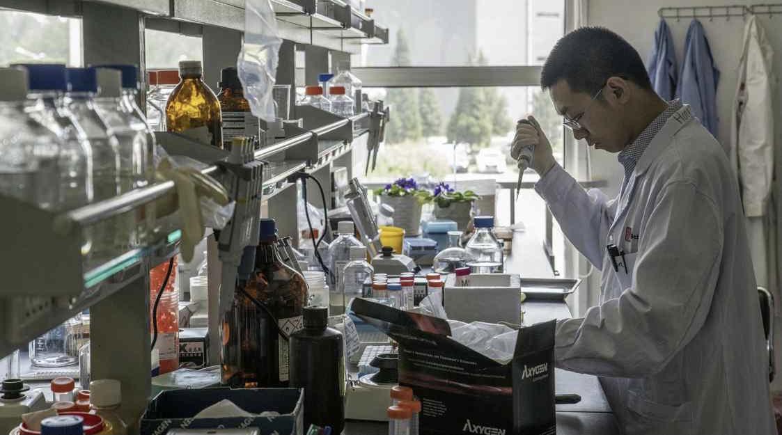瞄准中国千亿健康医疗市场 跨国巨头与中国生物药企交易创纪录