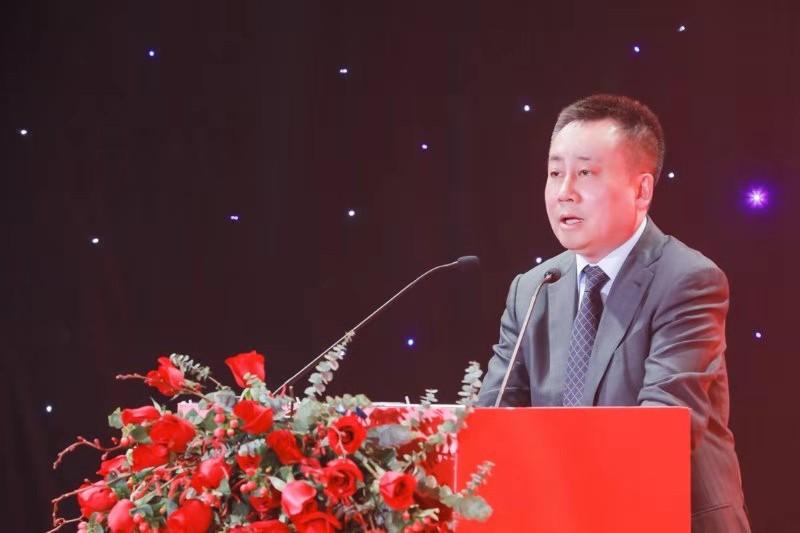 中信银行党委委员吕天贵在开幕仪式中致辞