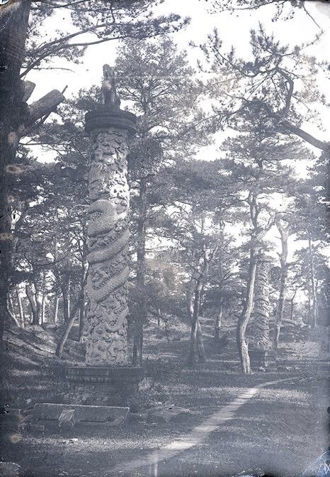 安佑宫华表,1882年,谢满禄[法]拍摄