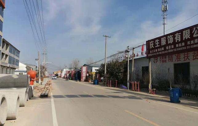 曹县大集镇的街头。(第一财经记者陈洪杰摄)