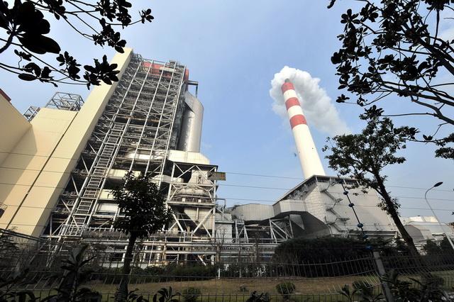 发电行业在国内率先开展碳排放权交易试点。摄影/章轲