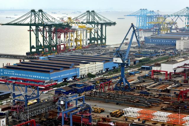 中国制造业需推进产业基础高级化、产业链现代化,提高经济质量效益和核心竞争力。摄影/章轲