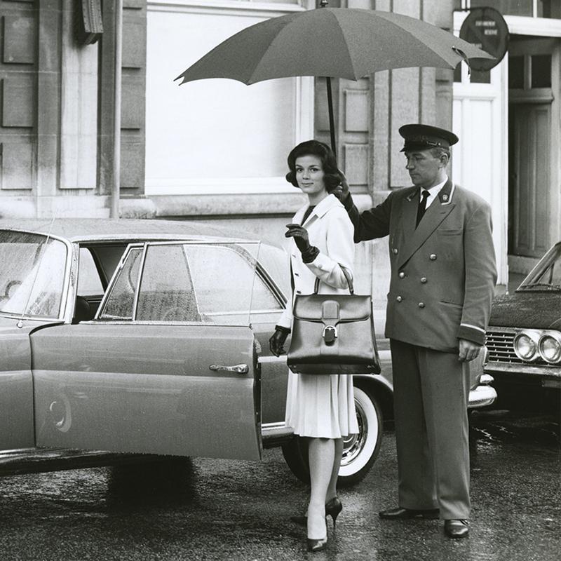 Delvaux最具标志性的Brillant包袋诞生于1958年,深受肯尼迪夫人喜爱。