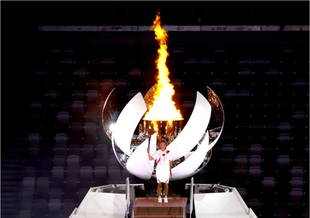 △ 主会场的火炬台,远看像是一座喷发的富士山?图片来源   Getty Images